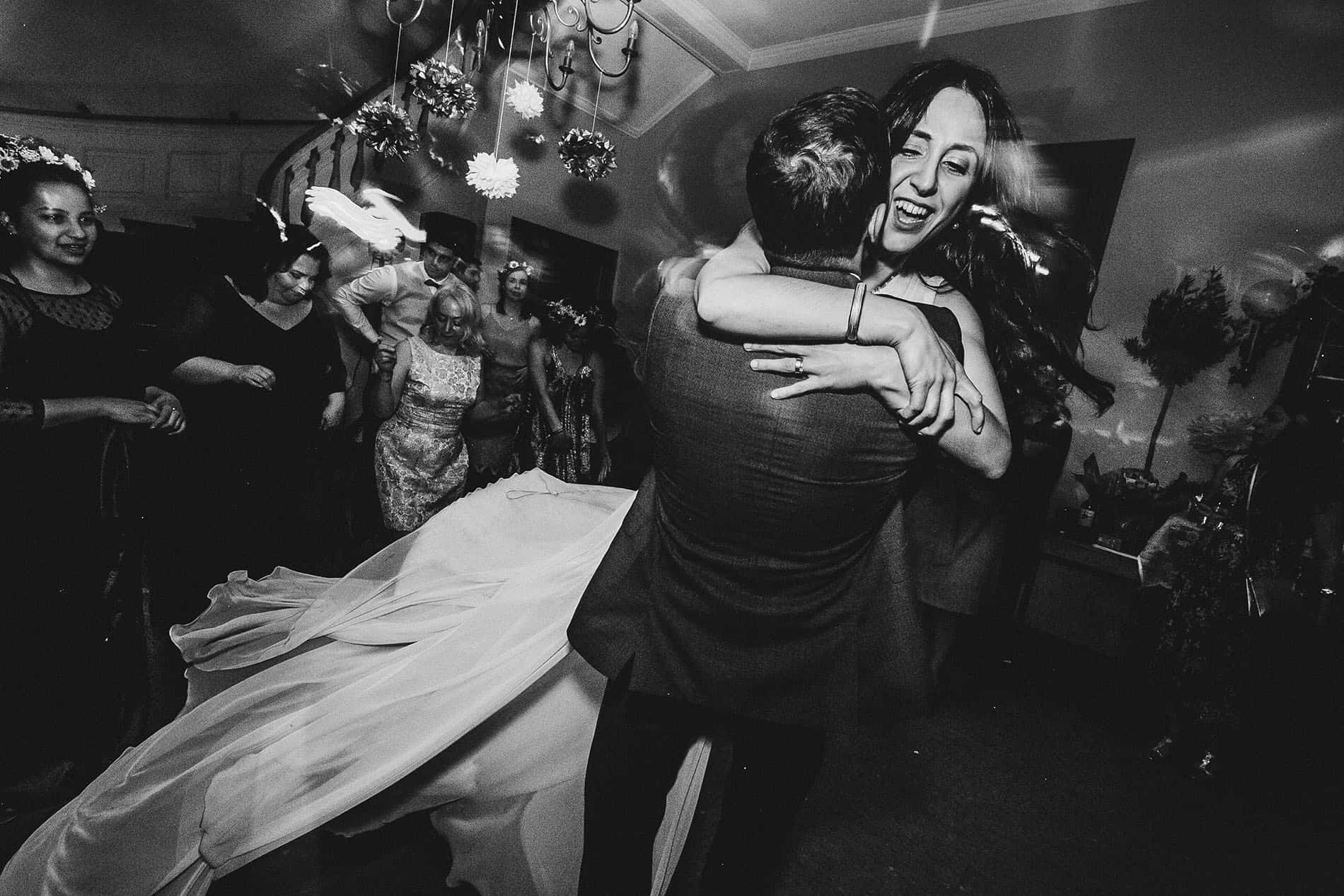bride and his brother dancing in a berlin wedding