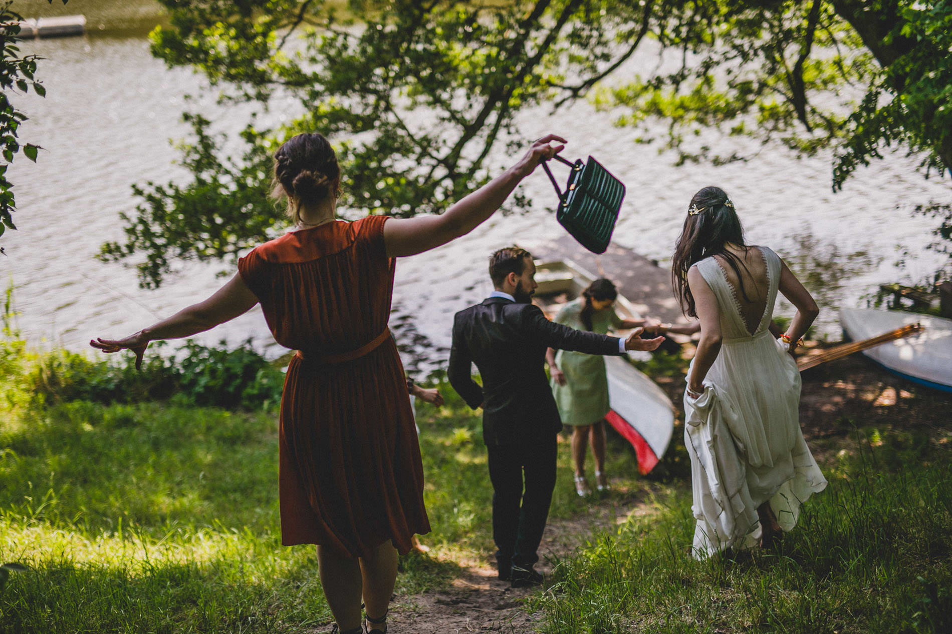 guests walking down to the lake in a berlin wedding
